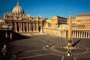 Россия готовит для Ватикана выставку духовного наследия русского искусства, сообщил Путин кардиналу Паролину